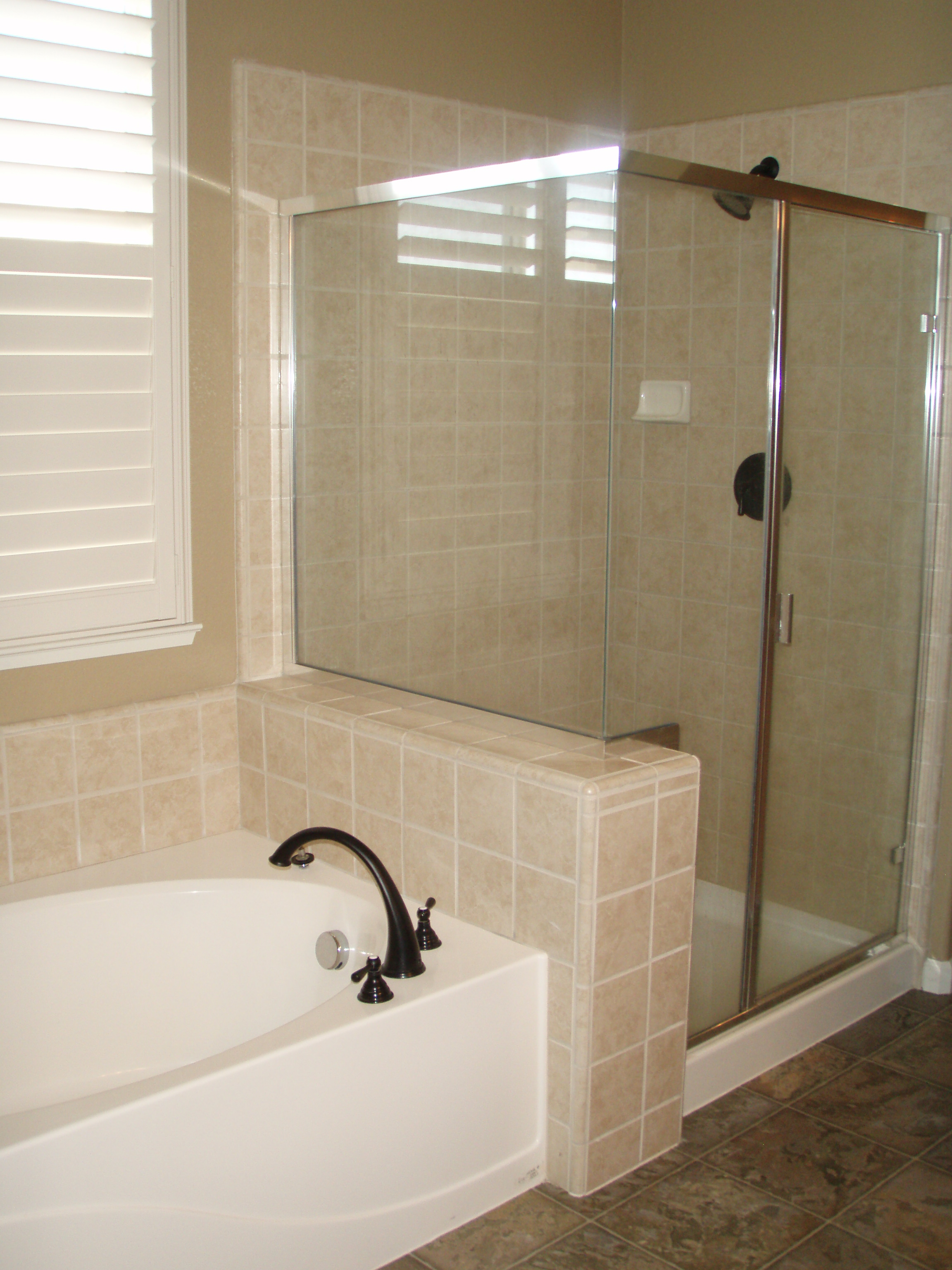 Master Tub and Shower.JPG
