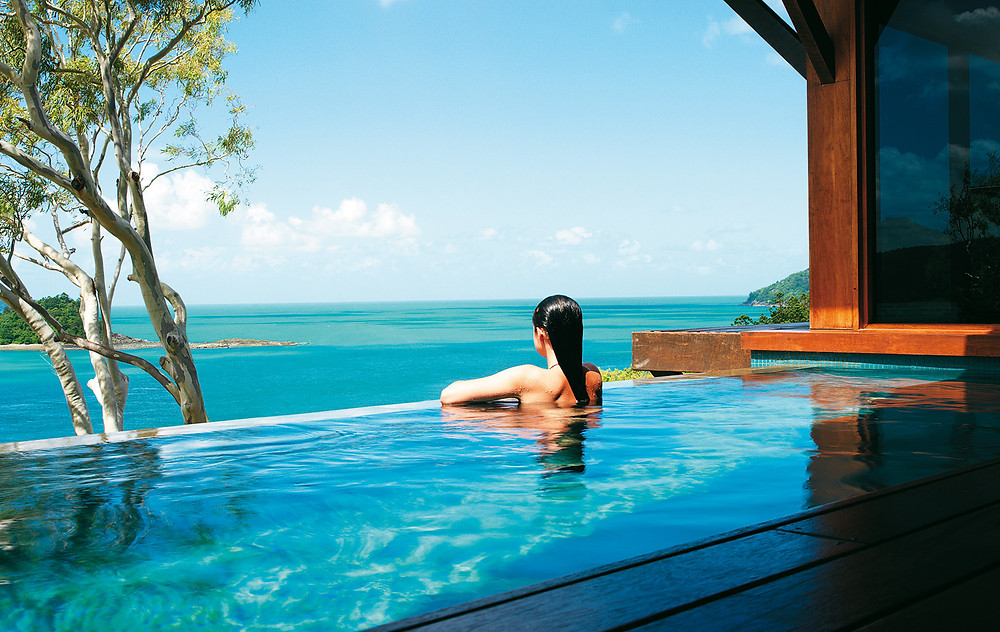 Is this Australia's most luxurious hotel? The Travel Hop checks in to Qualia to find out