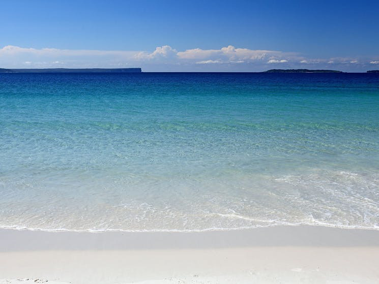 Hyams Beach - the official Guinness Book of Records 'whitest sand in the world'