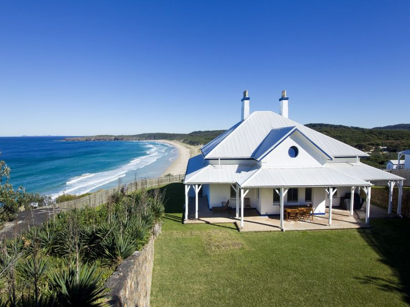 Sugarloaf Point Lighthouse Keepers' Cottages come with stunning views