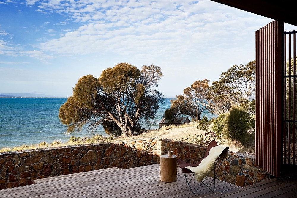 Tasmania's Piermont Retreat cottages overlook the beautiful Great Oyster Bay