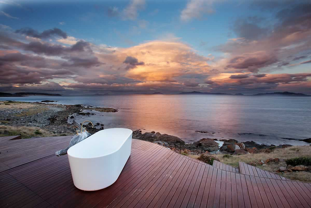 Thalia Haven: the Tasmania beach house that has a bath tub with one hell of a view