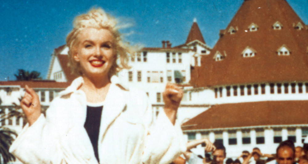 Marilyn Monroe outside the Hotel Del Coronado  during filming of the Some Like It Hot