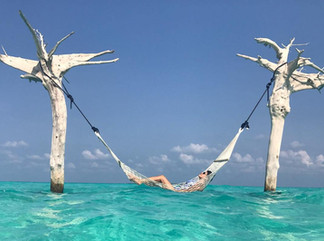 10 Heavenly Hotel Hammocks