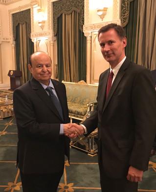 رئيس الجمهورية يستقبل وزير الخارجية البريطاني لمناقشة تعرقل تنفيذ اتفاق السلام