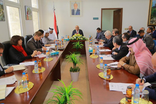 In a meeting with the G-18 Ambassadors, Foreign Minister Khaled Al-Yamani stresses that Yemeni gover