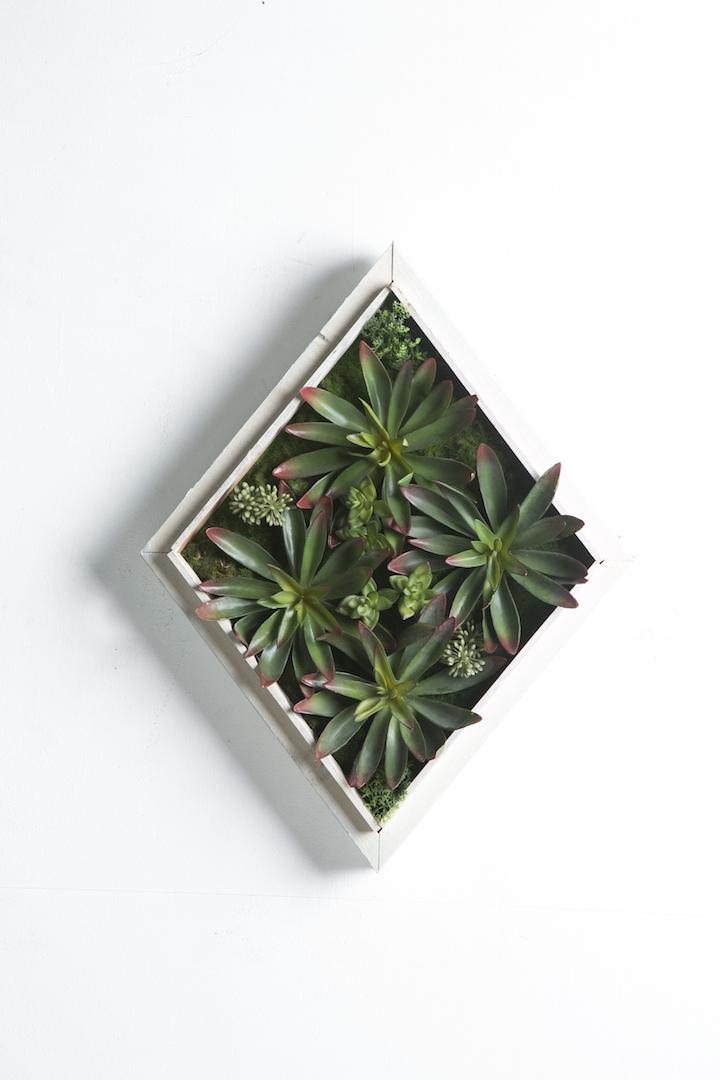 Iora B White Rustic Vertical Garden Tile