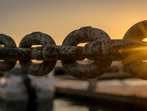 Breaking the Chain of Family Dysfunction by Lauren Christiansen