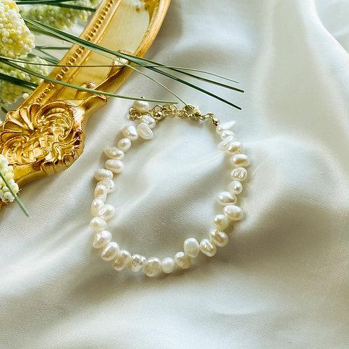 Audrey Pearl Bracelet