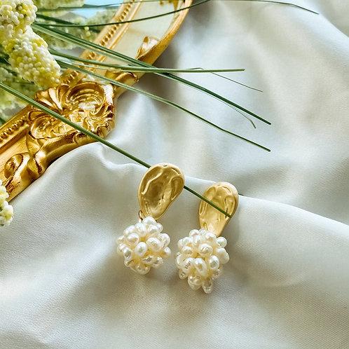 Xoe  Earrings