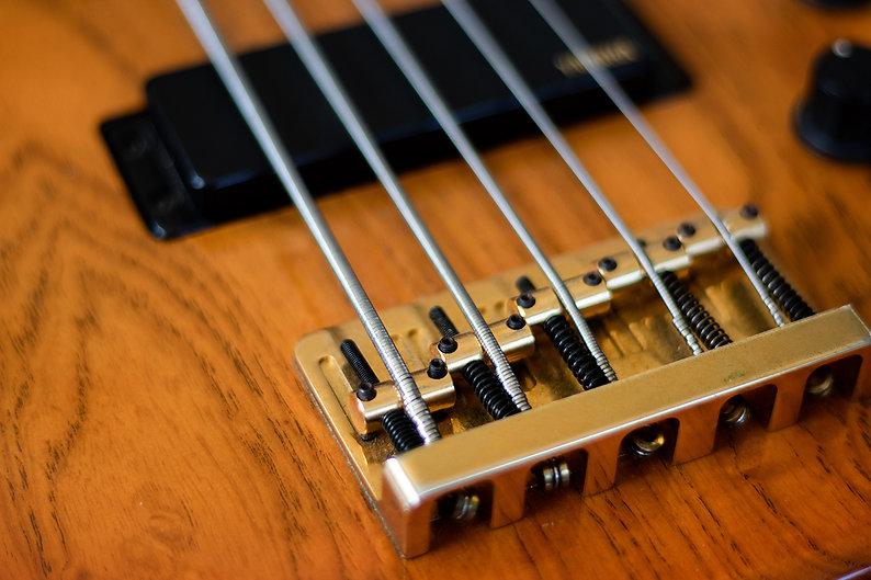 yamaha.bass.jpg