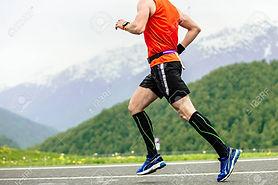 118656243-man-runner-in-compression-sock