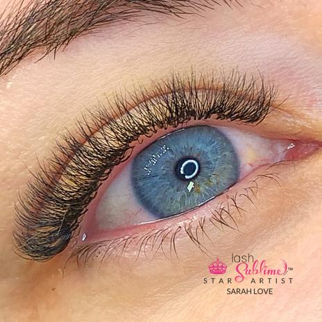 Hybrid close up blue eye nala.PNG