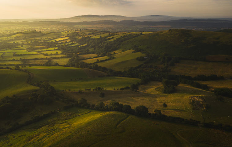 (c) Tom Blockley: Looking towards Hope Bowdler (highly commended)