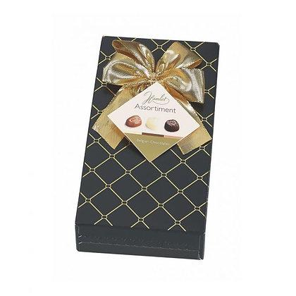 המלט – אריזת מתנה צ'סטרפילד שחור 125 גרם