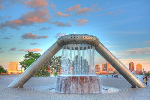 Dodge_Fountain_in_Hart_Plaza_-_front.jpg
