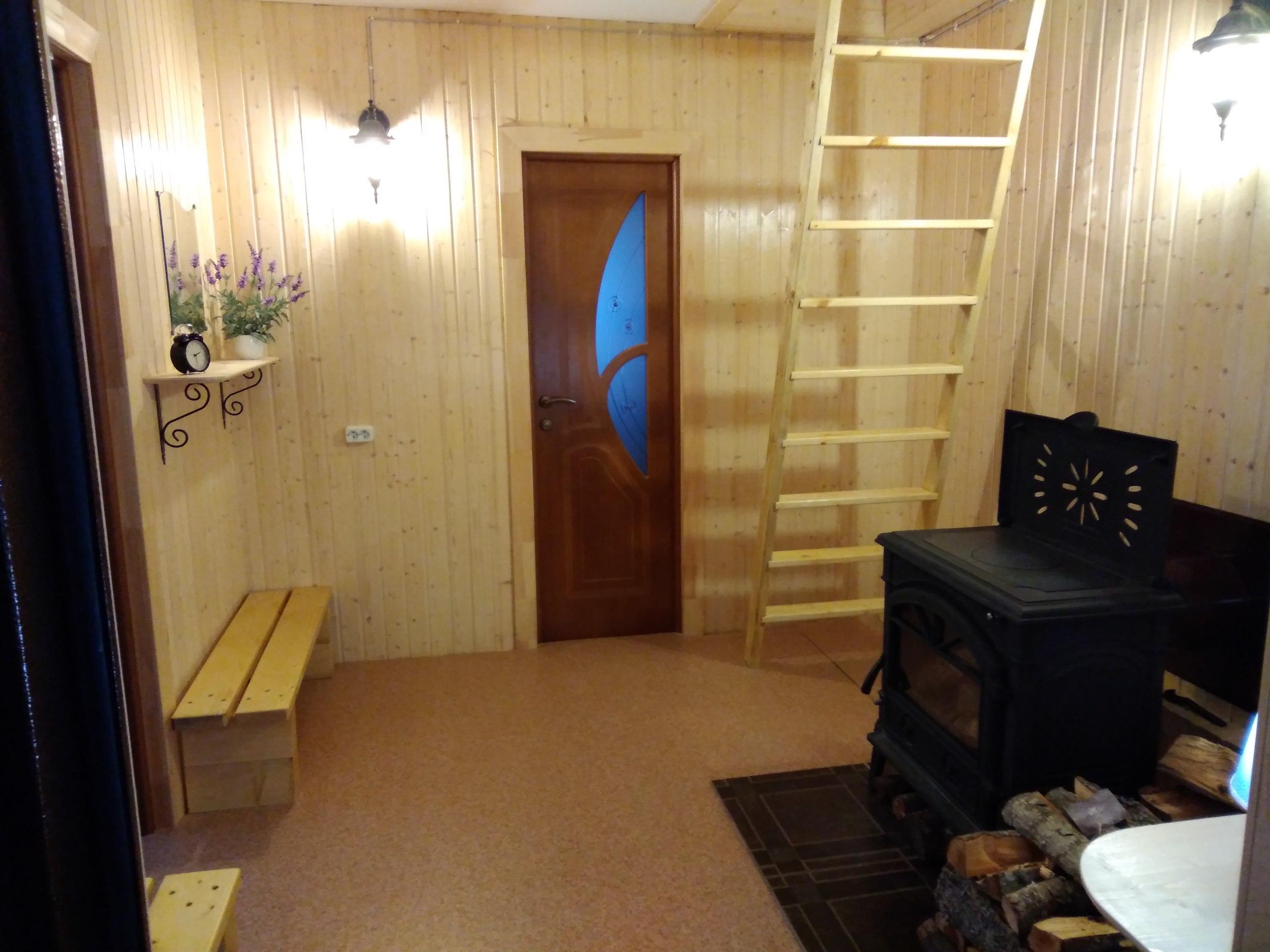 наш маленький уютный холл