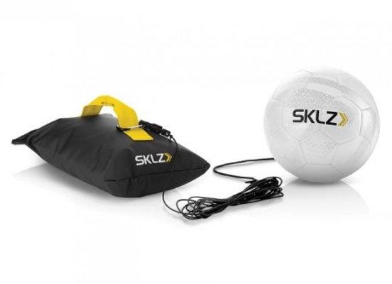 כדור אימון לתרגול בעיטות ומסירות - KICKBACK