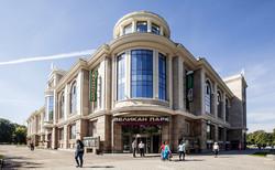 Здание кинотеатра на Горьковской