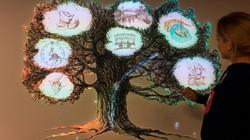 Интерактивная инсталляция - Дерево