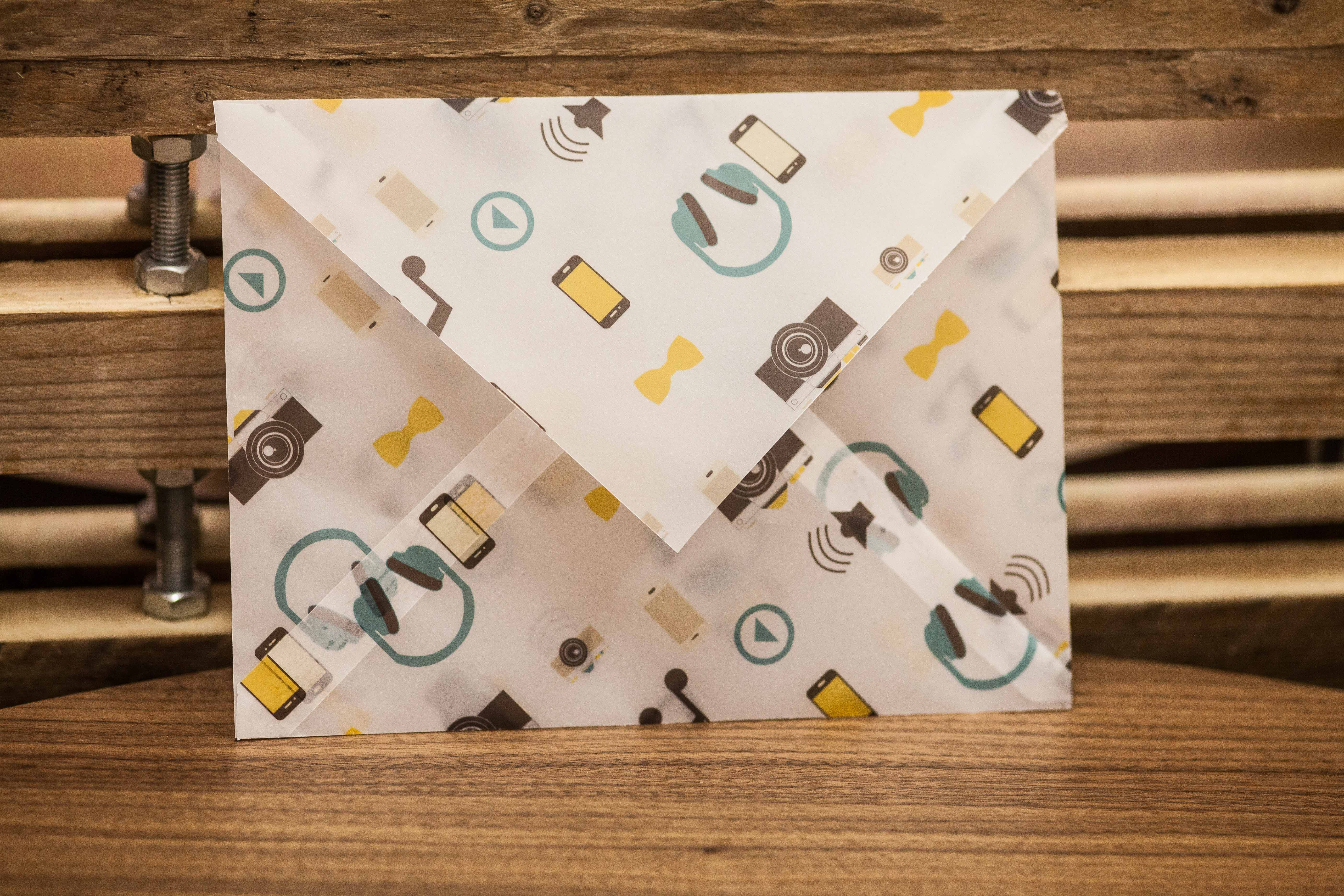 Custom tracing Paper envelopes