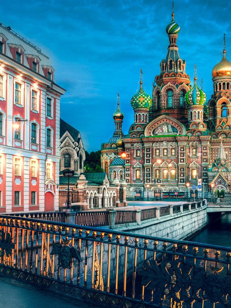 Tours to Petersburg