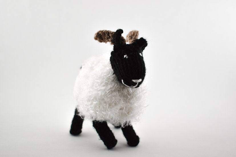 Clare's Crafts Medium Hand-Knit Sheep
