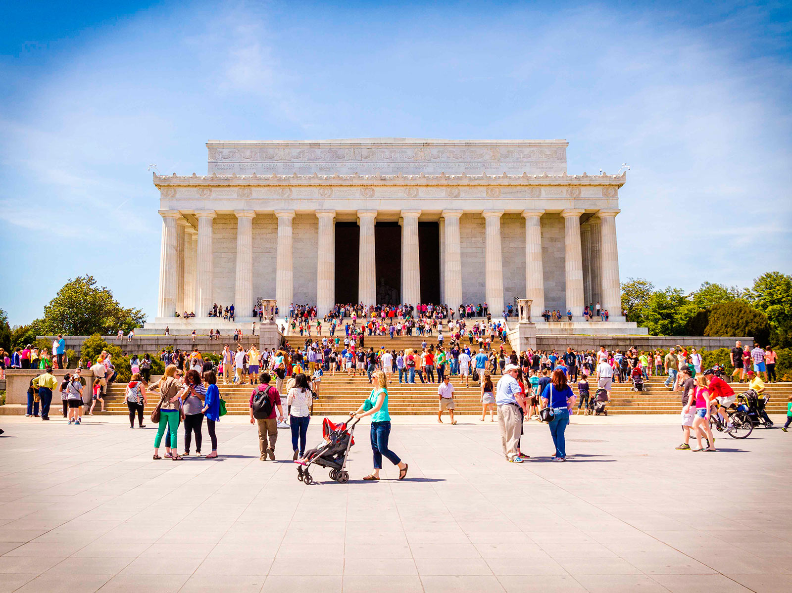 hero-image-lincoln-memorial-in-summer