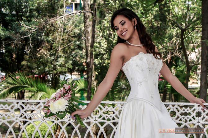Arreglo de novia para boda en jardin
