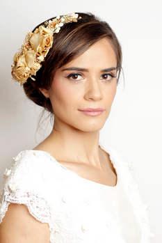 Maquillaje de novia y peinado
