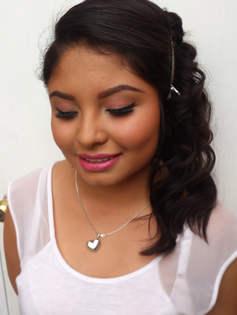 Prueba de maquillaje y peinado quinceañera