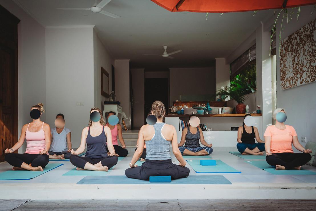 Yoga-26_blurred.JPG