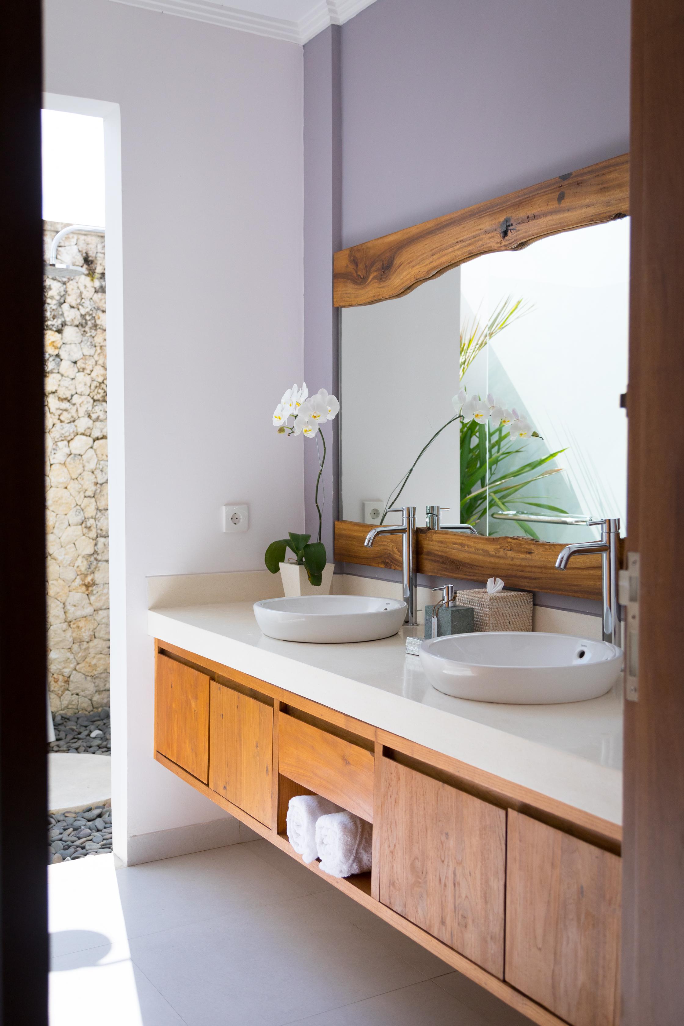 Treetop Bathroom