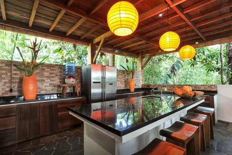 Kitchen with 5 stools