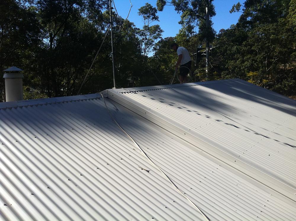 Roof painting house Eagle Heights Mount Tamborine