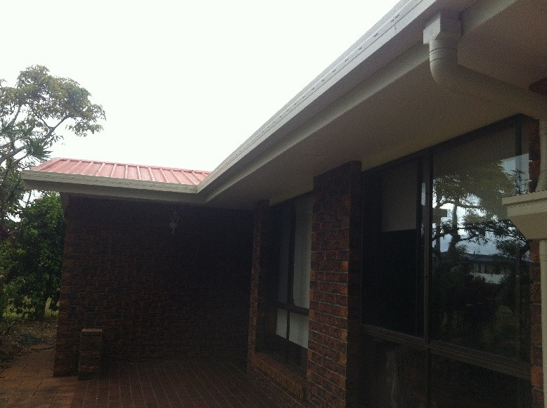Soffits in 1/2 strength ecru