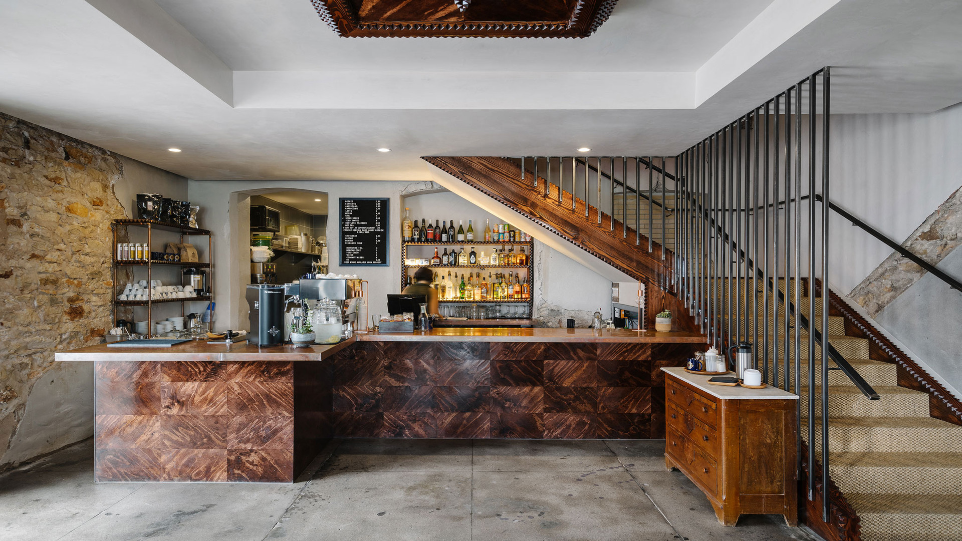 Native Hostel, Bar & Kitchen 05