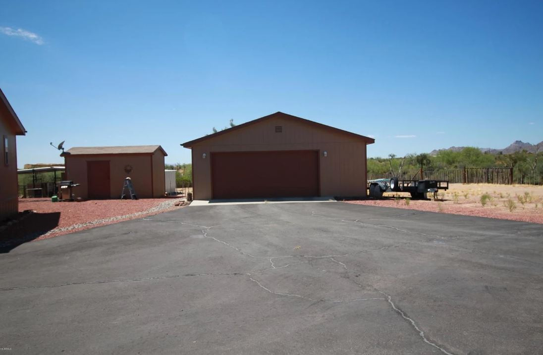 5 ACRE HORSE PROPERTY