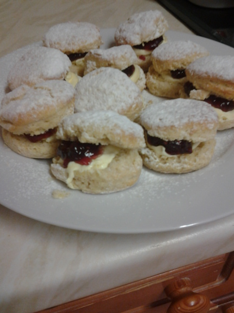 Fresh Cream Tea Scones