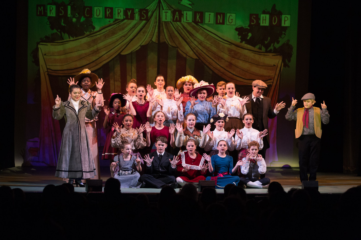 Mary Poppins Cast at Theatre of the Republic