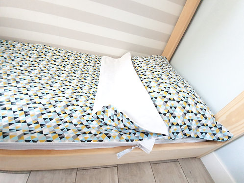 SLIPin - 3in1 ready to use bedding  -Colorful triangles