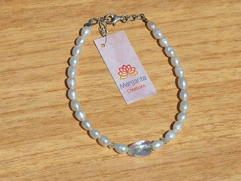 fresh water pearls bracelet with swarovski crystals  βραχιόλι με μαργαριτάρια και κρύσταλλα swarovski