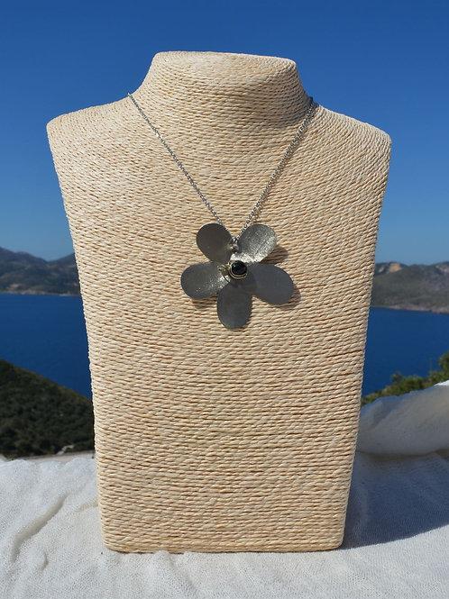 handcrafted daisy wit onyx χειροποίητα κοσμήματα μαργαρίτα με όνυχα