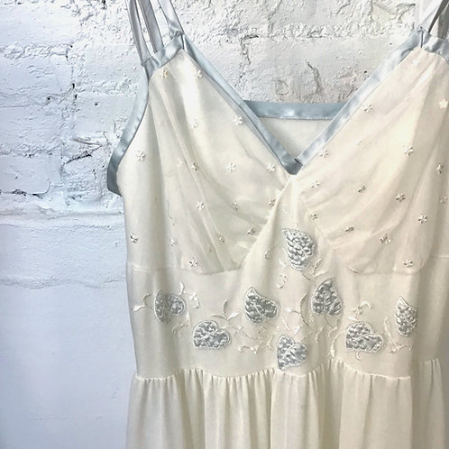VINTAGE 40's Hand-Embroidered Slip