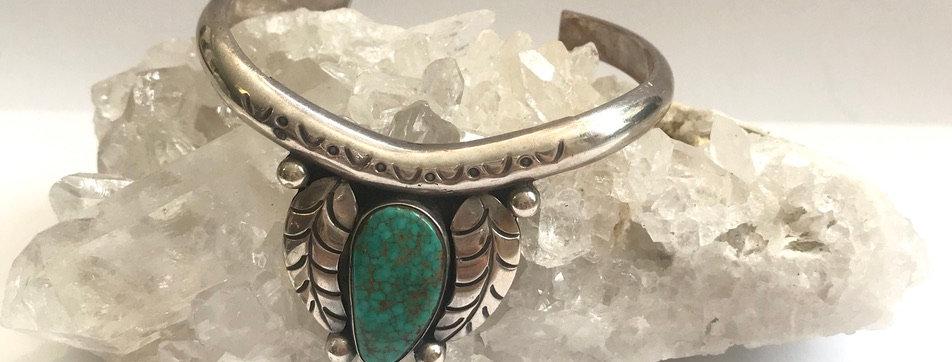 Stunning Vintage Turquoise Cuff