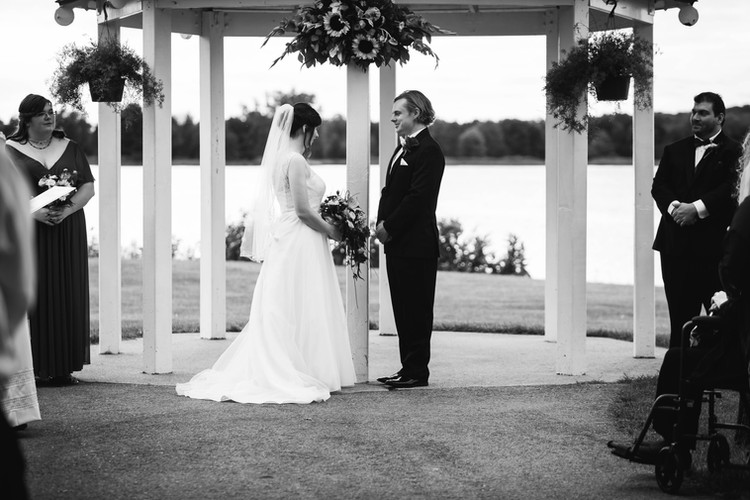 Sunflower-Summer-Stony-Creek-Wedding.jpg