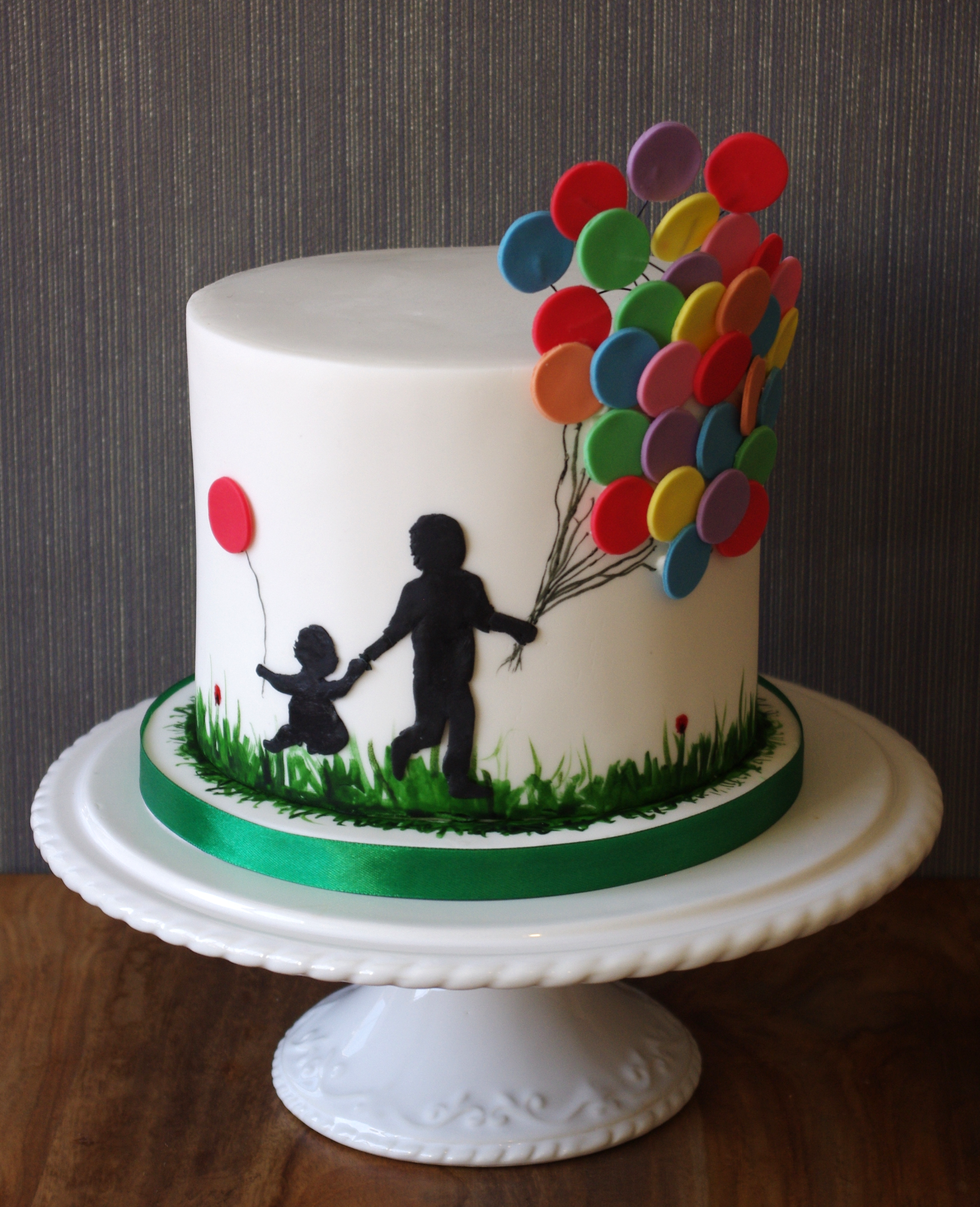 Balloon silhouette cake