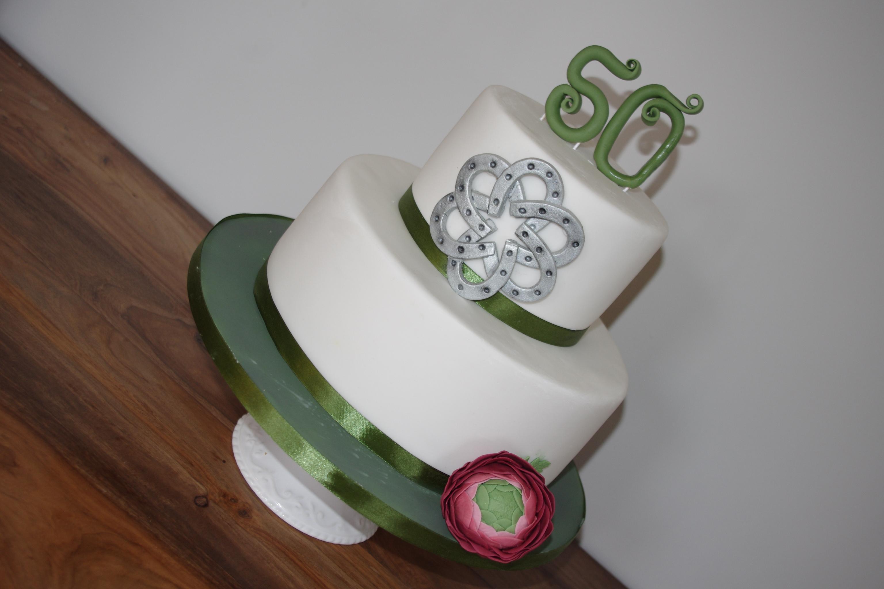 Horseshoe 50th birthday cake