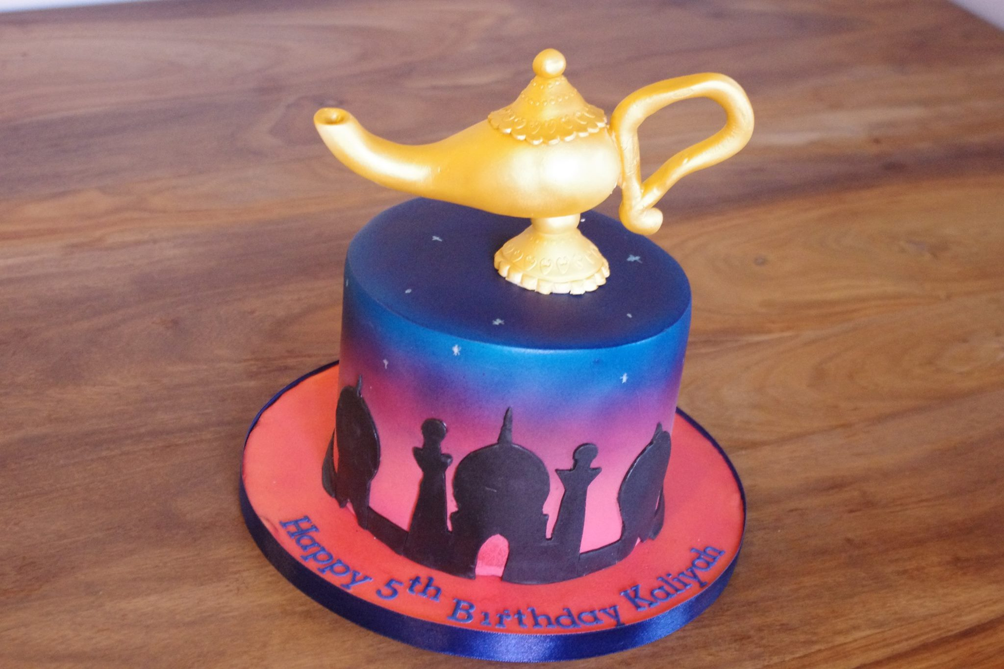 Aladdin and Arabian silhouette cake