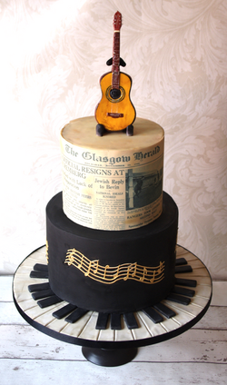 Music guitar Pianno cake